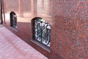 фасадные плиты гранитные